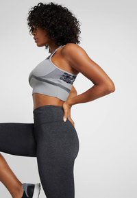 Cotton On Body - ACTIVE CORE CAPRI - 3/4 sports trousers - charcoaly - 3