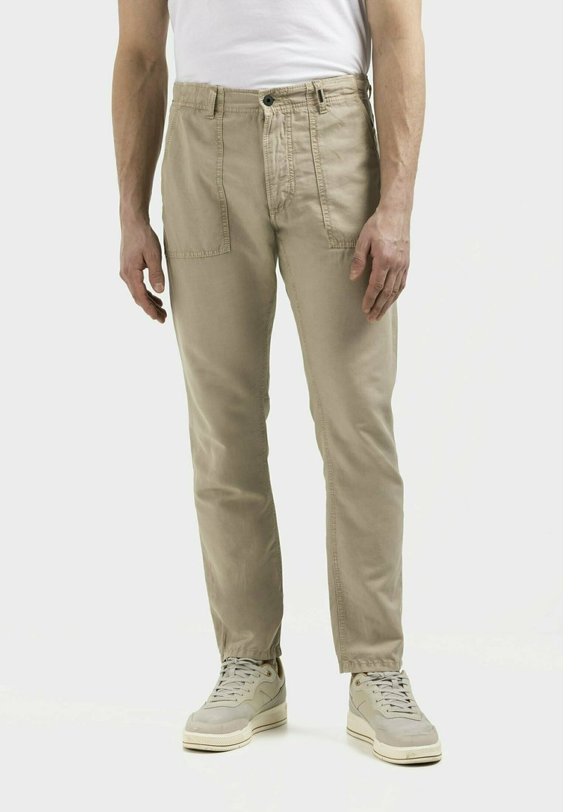 camel active - Chinos - wood