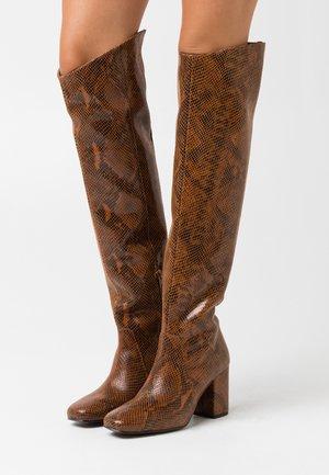 LAETITIA STIVALE - Stivali sopra il ginocchio - marrone