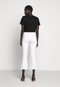 7 for all mankind - CROPPED UNROLLED - Flared Jeans - ecru - 2