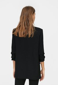 Stradivarius - Cappotto corto - black - 2