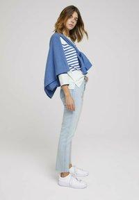 TOM TAILOR DENIM - Long sleeved top - blue white - 1
