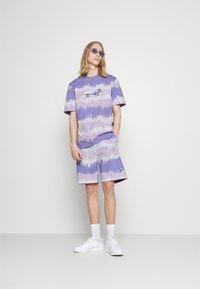 adidas Originals - UNISEX - Print T-shirt - light purple - 1
