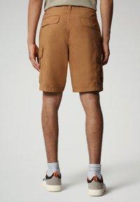 Napapijri - NOTO - Shorts - chipmunk beige - 1