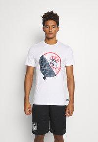 New Era - NEW YORK YANKEES MLB SPLIT GRAPHIC - Club wear - white - 0