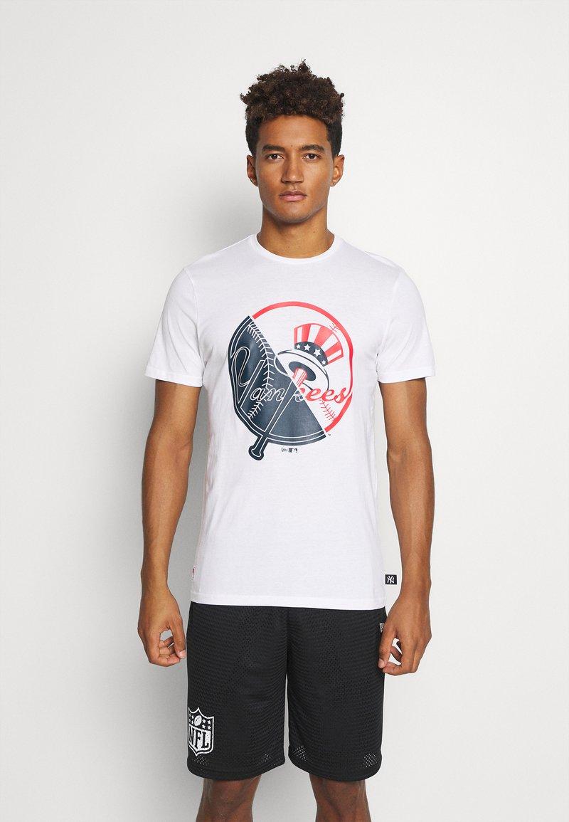 New Era - NEW YORK YANKEES MLB SPLIT GRAPHIC - Club wear - white