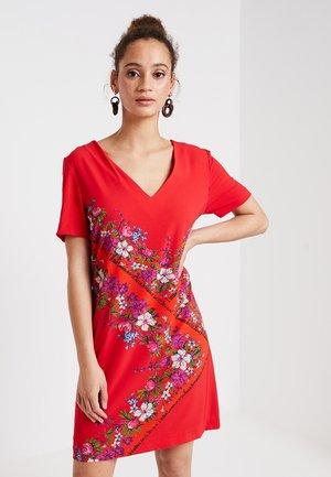 DAMIS - Day dress - rojo clavel