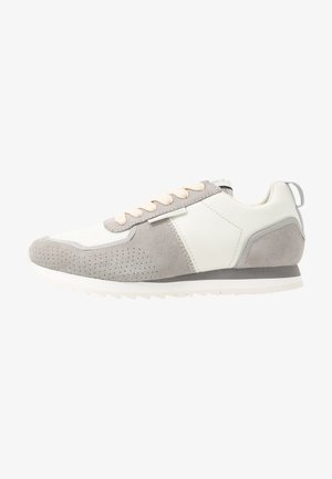 VIN RUNNER - Sneakers laag - light grey/milk
