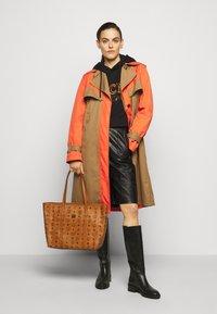 MCM - TONI VISETOS - Shopping bag - cognac - 0