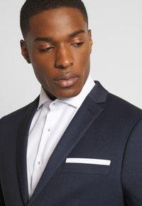 Isaac Dewhirst - BIRDSEYE SUIT - Suit - dark blue - 5
