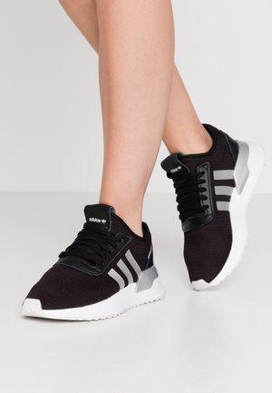U_PATH X - Sneakersy niskie - core black/silver metallic/footwear white