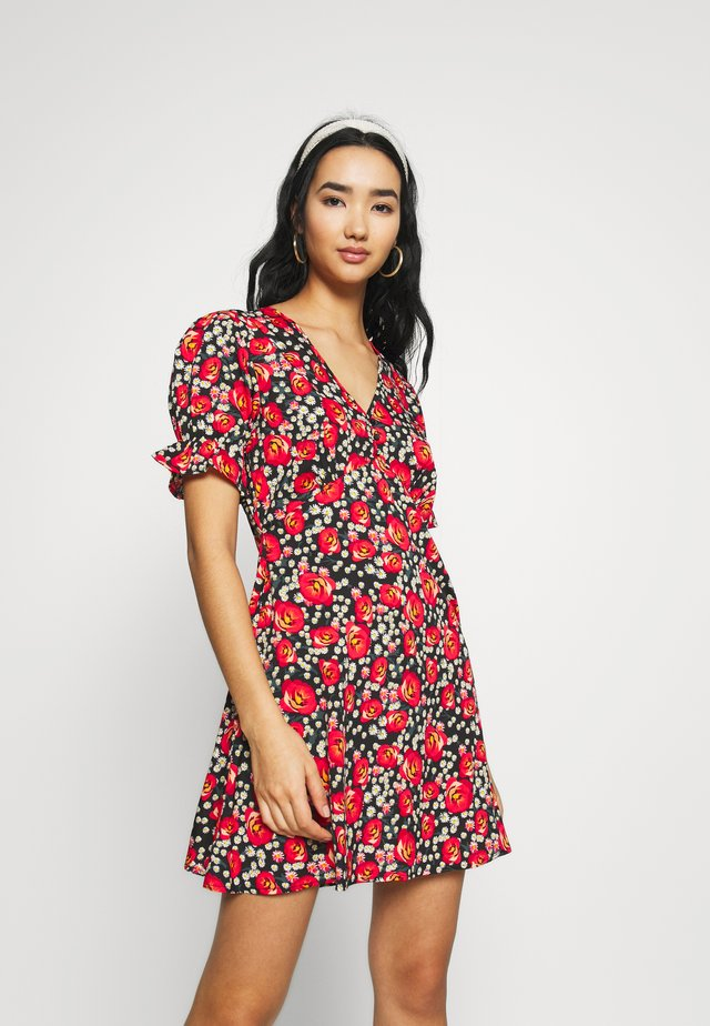 RUFFLE CUFF PUFF SLEEVE V NECK MINI TEA DRESS - Korte jurk - black/red/green