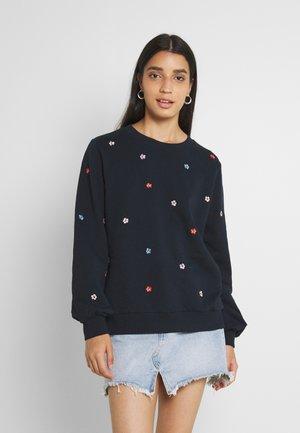 NUBRITTANY - Sweater - dark sapphire