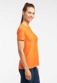 Haglöfs - Basic T-shirt - flame orange - 2