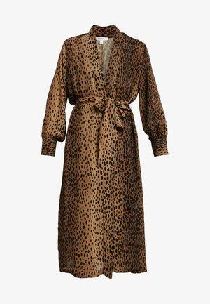 LEOPARD CUFFED ROBE - Manteau classique - light brown/black