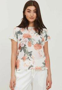 b.young - BYPANYA  - Print T-shirt - nectarine mix - 0