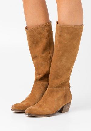 MASHA - Vysoká obuv - camel
