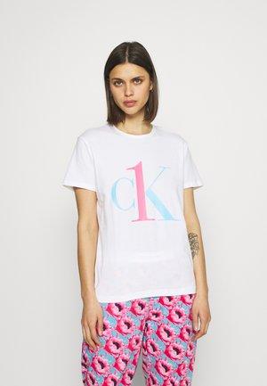 ONE LOUNGE CREW NECK - Pyjama top - white sky high