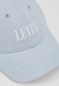 Levi's® - SERIF LOGO SNAPBACK - Czapka z daszkiem - sky blue - 5