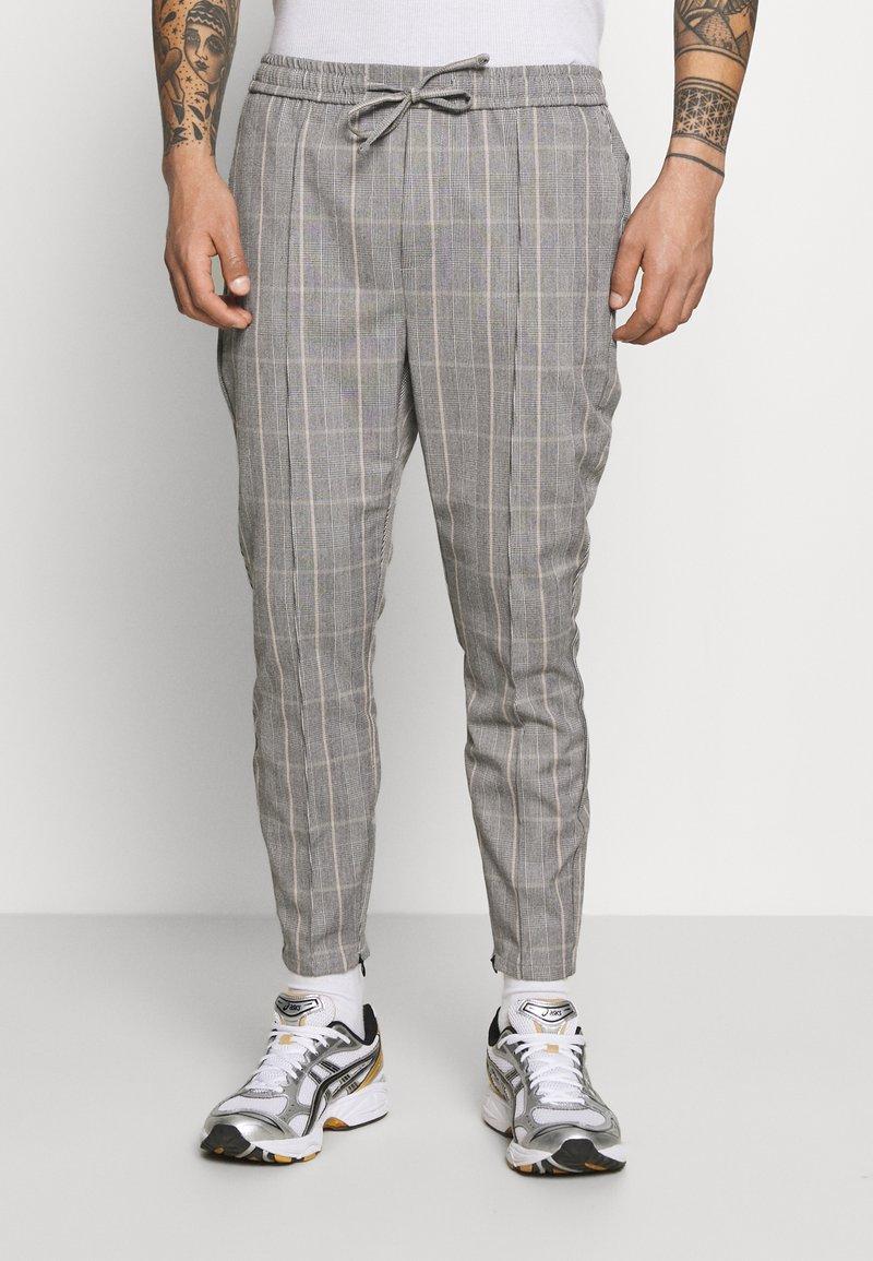 Kings Will Dream - SILVIO SMART JOGGERS - Trousers - grey/gold
