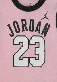 Jordan - 23 SET UNISEX - Top - pink foam - 2