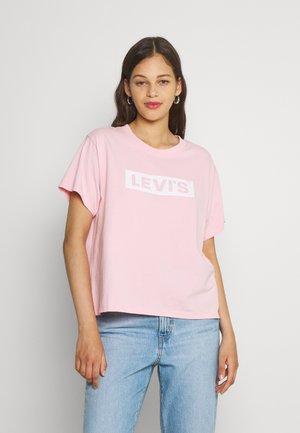 GRAPHIC VARSITY TEE - Marškinėliai su spaudiniu - almond blossom