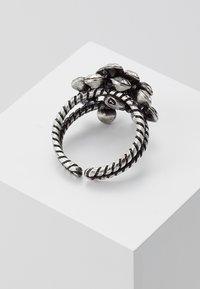 Konplott - Ring - white/antiquesilver-coloured - 2