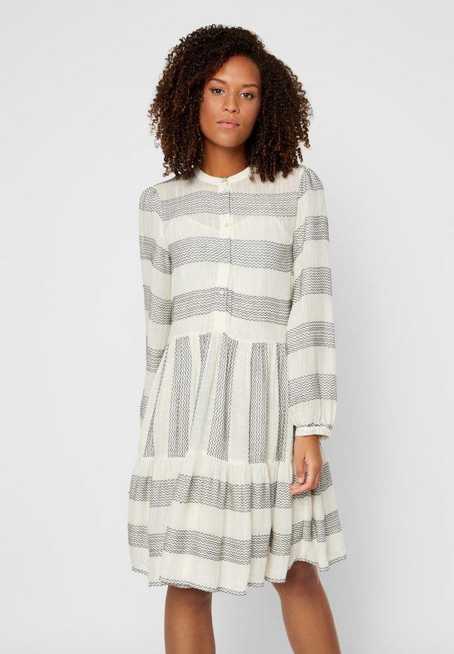YASLAMALI DRESS - Shirt dress - eggnog