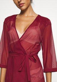 Triumph - SPOTLIGHT ROBE - Dressing gown - cardinal - 5