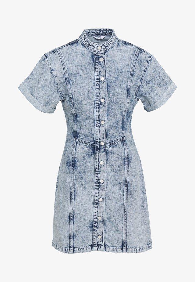 ENBASH DRESS - Robe en jean - acid blue