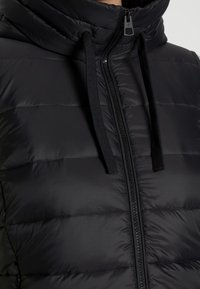 Marc O'Polo - RECYCLED VEST FIX HOOD STAND UP COLL - Vesta - black - 4