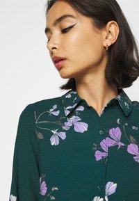 Vero Moda Petite - VMANNIE DRESS - Košilové šaty - ponderosa pine/hallie - 5