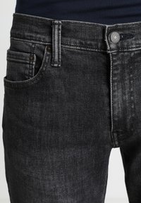 Levi's® - 512 SLIM TAPER FIT - Vaqueros tapered - richmond adv - 4
