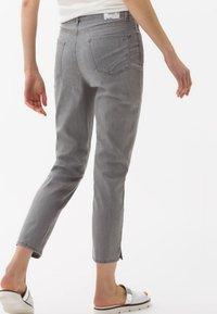 BRAX - STYLE CARO  - Slim fit jeans - light grey - 0