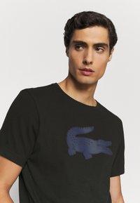 Lacoste - T-shirt z nadrukiem - noir - 3