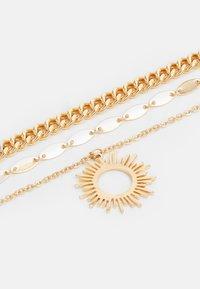 Pieces - PCBOBBIE COMBI NECKLACE - Smykke - gold-coloured - 2