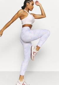 Cotton On Body - ULTIMATE BOOTY 7/8 - Legging - lilac - 4