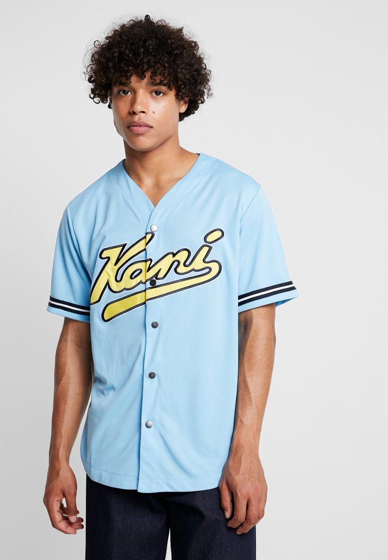 Karl Kani - COLLEGE BASEBALL  - Shirt - light blue/yellow/navy