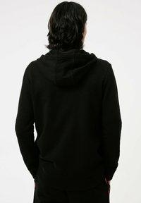 HUGO - DAPIEDOAKY - Verryttelypuku - black - 3