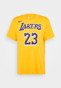 Nike Performance - NBA LOS ANGELES LAKERS LEBRON JAMES NAME AND NUMBER TEE - Klubbkläder - amarillo - 4