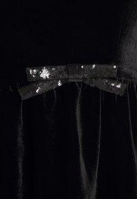 kate spade new york - SEQUIN BOW DRESS - Koktejlové šaty/ šaty na párty - black - 2