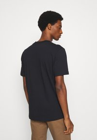 Selected Homme - SLHRELAXCOLMAN O NECK TEE - T-shirt - bas - black - 2