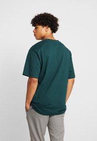 Urban Classics - Basic T-shirt - bottlegreen - 2