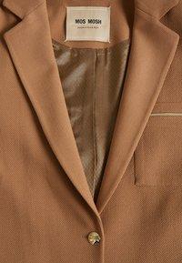 Mos Mosh - CHRISTIE WALL COAT - Short coat - burro camel - 2