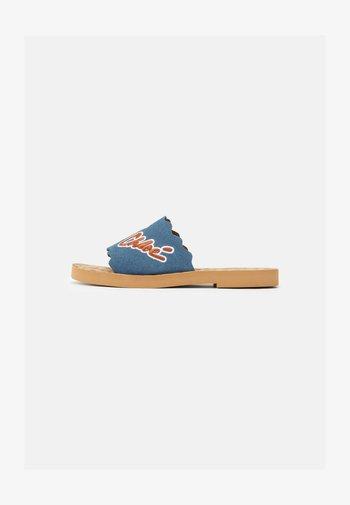 ESSIE - Pantofle - navy