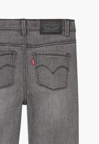Levi's® - 710 SUPER SKINNY  - Skinny džíny - grey denim - 3