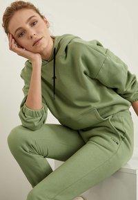 DeFacto - Hoodie - green - 4