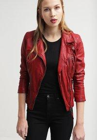 Oakwood - CAMERA - Veste en cuir - red - 3