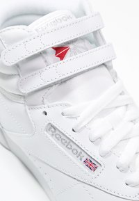 Reebok Classic - FREESTYLE HI LIGHT SOFT LEATHER SHOES - Sneakers high - white/silver - 5