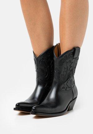 JALET - Kovbojské/motorkářské boty - black
